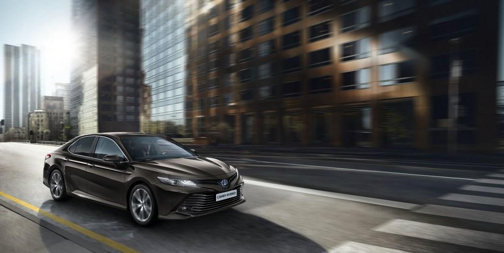 Toyota Camry regressa à Europa com motor hibrido