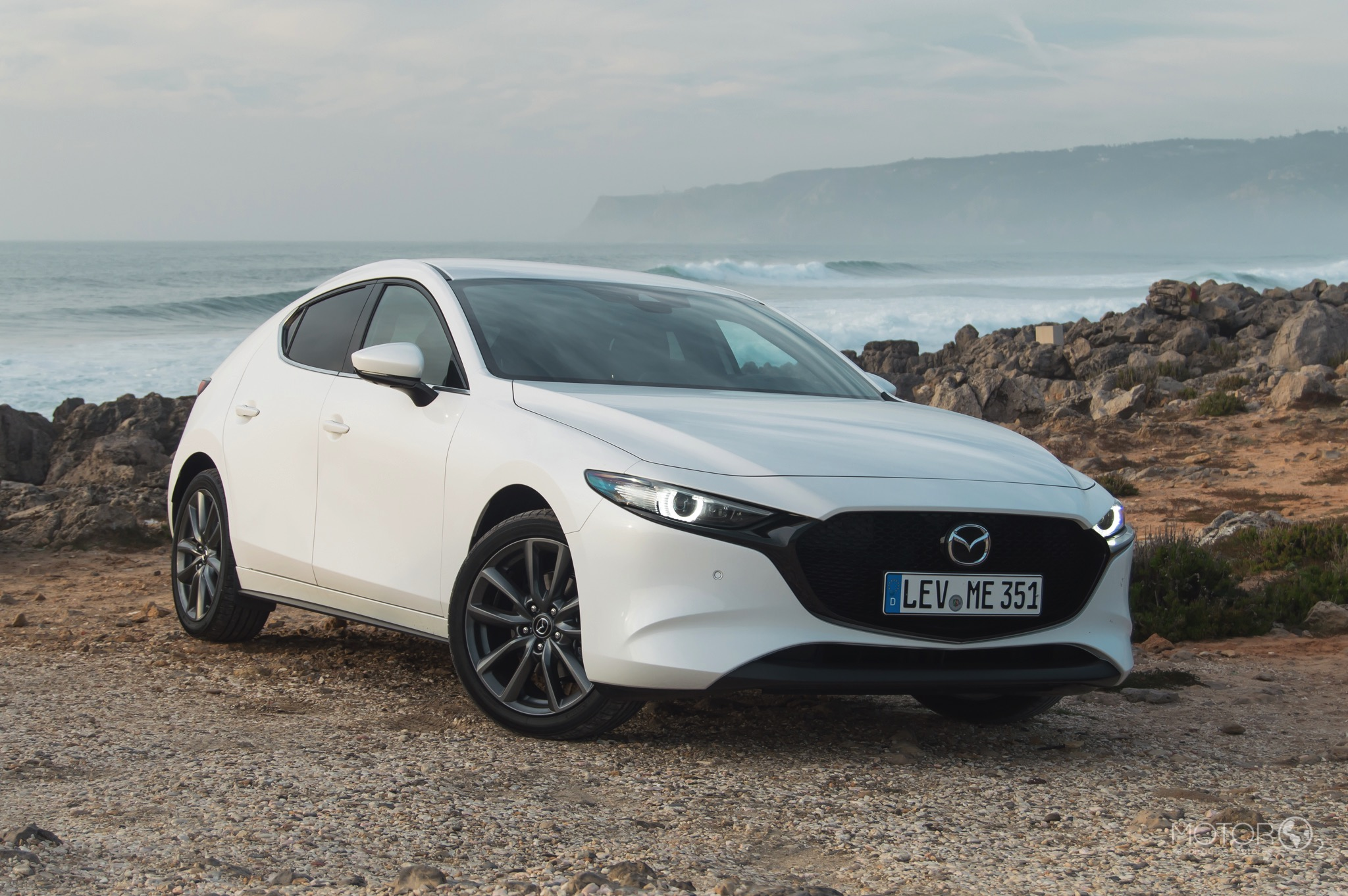 Conduzimos o novo Mazda 3. Sabe os preços e quando chega a Portugal!