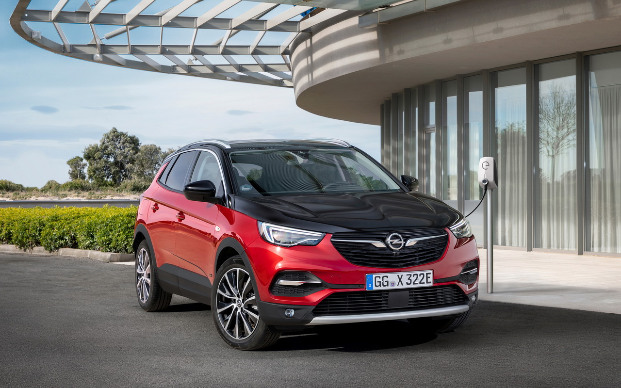 Opel apresenta GrandLand Hybrid4